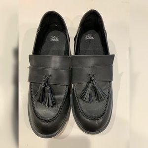 Wild Fable black loafers